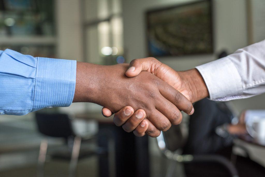 Vertrauen ist vor allem bei der virtuellen Zusammenarbeit essenziell.